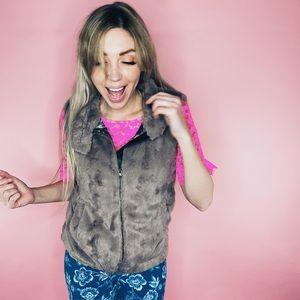 Sanctuary Faux Fur Zip-Up Vest